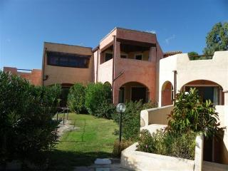 'La Rocca' Holiday Apartments - 300 mt. from the beach, Olbia