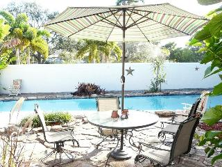 Bayview Paradise: Swing set, Great Pool., Fort Lauderdale