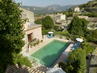 Maison Rose Apartment 1 (2 Bed) with Pool & WiFi, Cipieres