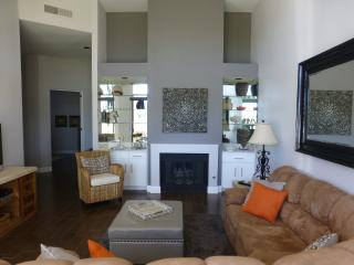 Beautiful remodelled luxury home near Desert Trip.