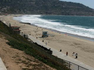 CALIFORNIA LIVING AT ITS BEST BY THE BEACH!!, Redondo Beach
