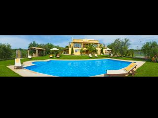 Luxury Villa Privilege Classic and Exclusive with Tennis Court and Heated Pool