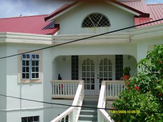 Apartment In Golf Park For Rent, Cap Estate
