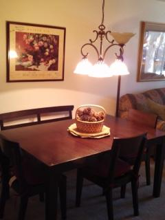 Dining Area Seats 5