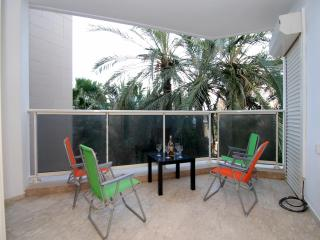 Hama'apilim - (by the beach) - Herzliya 2 Bed Apt