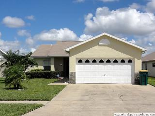 Indian Point- 3BR Villa w/ Private Pool, Gameroom, close to Disney, Kissimmee