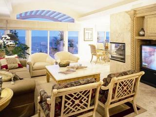 3 bdrm, Oceanfront property, comfort in the village area., Laguna Beach