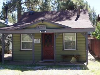 Lil Cabin ~ RA45360, Big Bear City