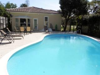 Private 3 Bdrm 2 Bath Home W/Pool, 1 Mi to Beach, Lantana