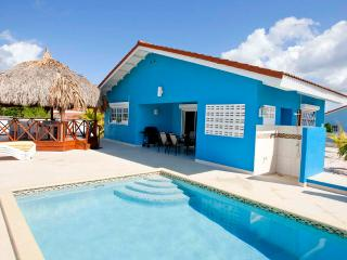Villa Blou Curacao, with private pool, and rent car, rent direct from owner