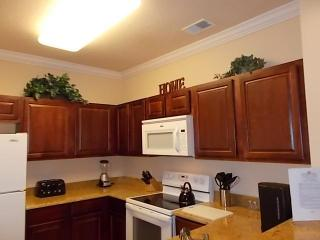 Luxurious 2 Bed 2 Bath Condo Near Disney & More!
