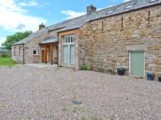 TOWN HEAD, detached, woodburner, open fire, off road parking, garden, in Appleby-in-Westmorland, Ref 23918, Penrith