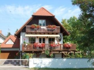 Vacation Apartment in Bad Dürkheim - 969 sqft, quiet, unique, comfortable (# 4383)