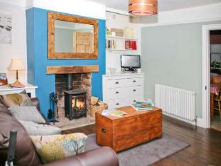 SOUTHEY COTTAGE, woodburner, roll-top bath, en-suite facilities, in Grassington, Ref. 24448