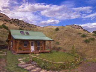 Yellowstone Montana Healing Cabin Retreat #1 in Beautiful Paradise Valley