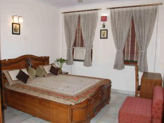 A Warm, Vibrant, Clean & Affordable stay in Delhi, New Delhi