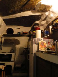 Bedrock kitchen