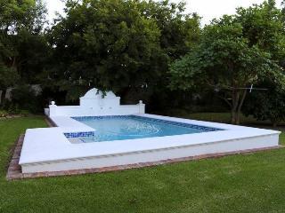 Le Villa Du Soleil - a luxury villa on main road, Franschhoek