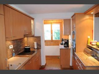 Modern, fully equipped kitchen