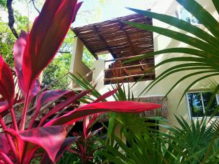 Casa Huuh. Studio B. Best location with garden!!!, Tulum