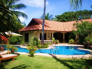 """COCONUT BAY""Stunning 4 bedroom Villa in Paradise"", Nai Harn"
