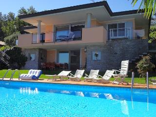 Exquisite villa with pool and fabulous views!, Meina