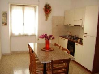 Pleasant apartment in Rome with parking, Roma