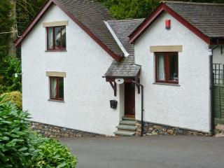 PINE LODGE, pet-friendly cottage with patio, close to lake with jetty, ideal touring base, Windermere Ref 23064, Bowness-on-Windermere