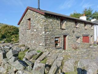COPPER BEECH COTTAGE, woodburning stove, en-suite bathrooms, hot tub, wonderful views in Coniston Ref 25708