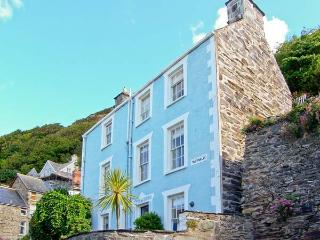 TAN YR ALLT, family-friendly, over four floors, close to beach in Barmouth Ref. 26092