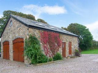 CORN MILL ANNEXE, romantic retreat, ample off road parking, lawned garden, beach 3 miles away, near Moelfre, Ref 26417