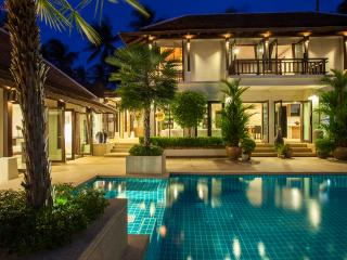 Villa Sasa - Close to the Beach, Perfect Location, Ko Samui