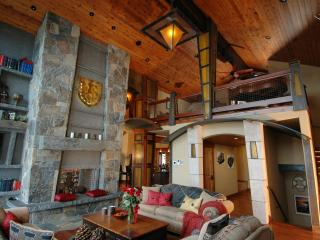 Luxury, Panoramic View Lodge in North Tahoe, Truckee
