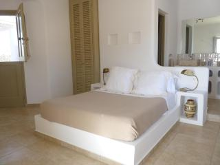 Villa Elia's upper ground floor double bedroom