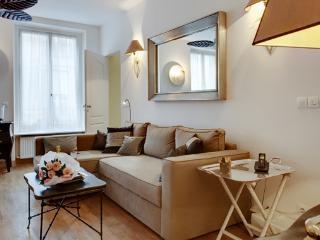 Apartment Rodin holiday vacation short term apartment rental france, paris, 7th