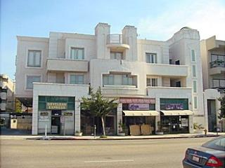 302F Lux Suite Near UCLA in LA Westside on Westwood Blvd., central location