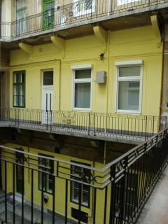 Courtyard-1st floor