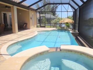 Hot tub - with spillover into saltwater pool