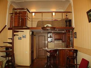 Studio-apartment on two levels in the center of th, Odessa