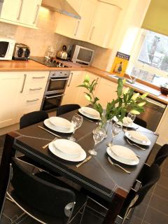 Large Fully Equipped Dining Kitchen