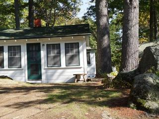 #2 Cozy Cottage on Paugus Bay Lake Winnipesaukee, NH, Laconia