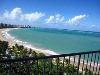 ESJ Towers Studio Apartment Ocean Front Best Price, San Juan
