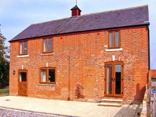 STABLES COTTAGE, detached barn conversion, on a working arable farm, en-suite