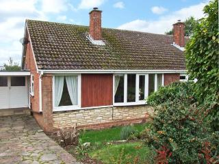 ORTON VIEW, pet-friendly, single-storey cottage, woodburner, off road parking