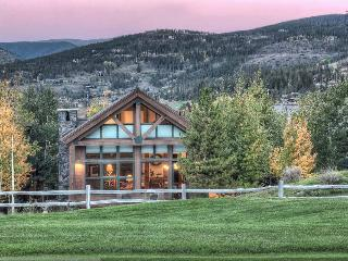Pristine mountain home on golf course with hot tub, amazing mountain views(views, golf course) - Apres Ski Retreat, Breckenridge