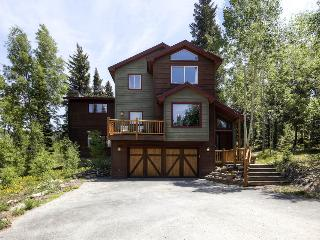 Beautiful mountain home with amazing views, free ski shuttle, and fire pit (amazing views, free shuttle) - High Point Retreat, Breckenridge