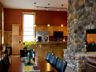 Luxury apartment rental, central Adirondacks