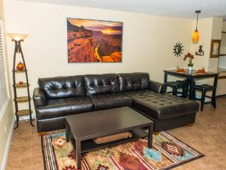 Amazing condo! Close to everything Phoenix/Tempe