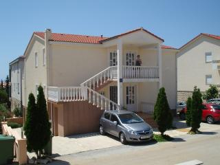 11260 - Bright Apartment in No, Novalja