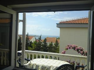 Cozy apartment Megy 4 for 5 pax,  200 meters from the sea in Novalja